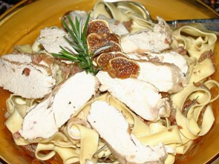 Chicken over Papparedelle Pasta with a Fig, Bacon and Rosemary Sauce