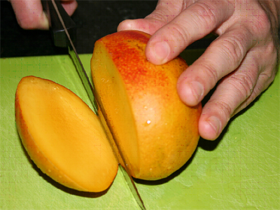 how to cut a mango center