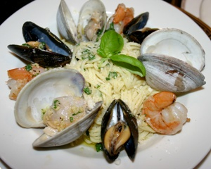 Italian Dinner al Fresco (Shellfish Medley with a Lemon Butter Aioli Sauce over Angel Hair Pasta)